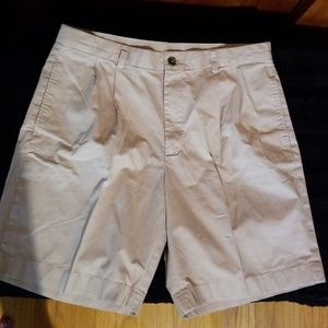 Brooks Brothers 346 Pleated Front Shorts